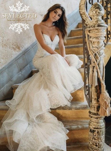 Qué sensualidad.! No sé si es la cara, la pose o el ambiente vintage que envuelve todo lo anterior, pero seguro que el vestido tiene mucho que ver.