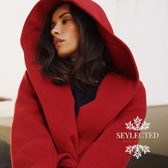 Qué oportunidad para protagonizar un cuento.! Nunca soñé con ser Caperucita Roja, pero qué abrigo tan especial para una quedada en pleno otoño con amigas (o con el lobo).!