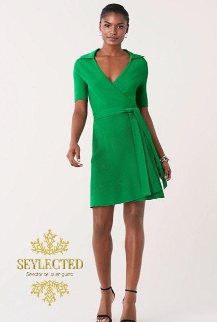 Dicen que la que se viste de verde, por guapa se tiene. Pero claro, con un vestido así, como no.?