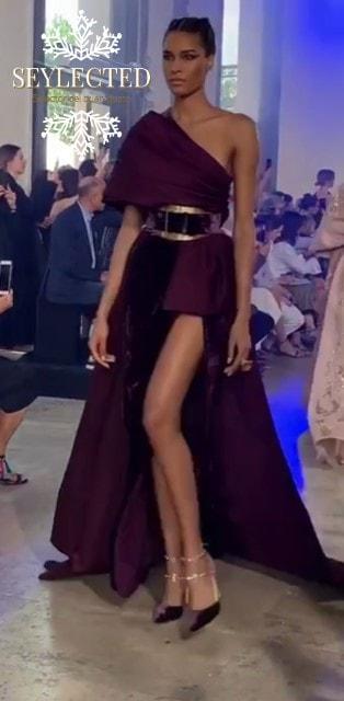 El estilo griego es un aval de éxito en casi todas las ocasiones. La asimetría superior e inferior agrega tantos al vestido para convertirlo en algo MUY singular