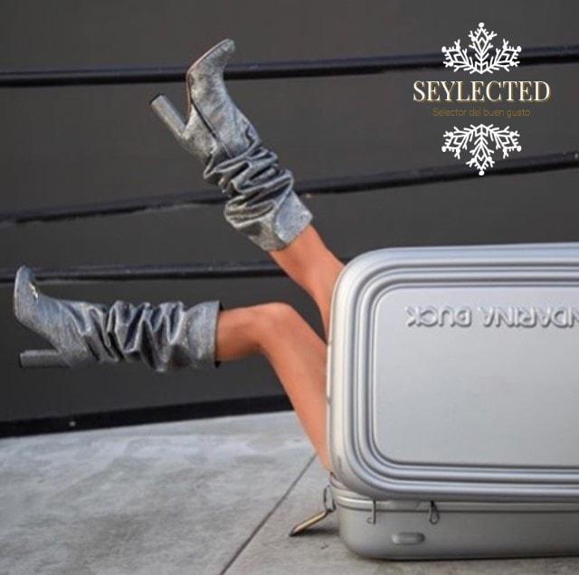 Si tengo que salir de una maleta de mano para hacerme con unas botas como estas, cuando menos, lo intento.