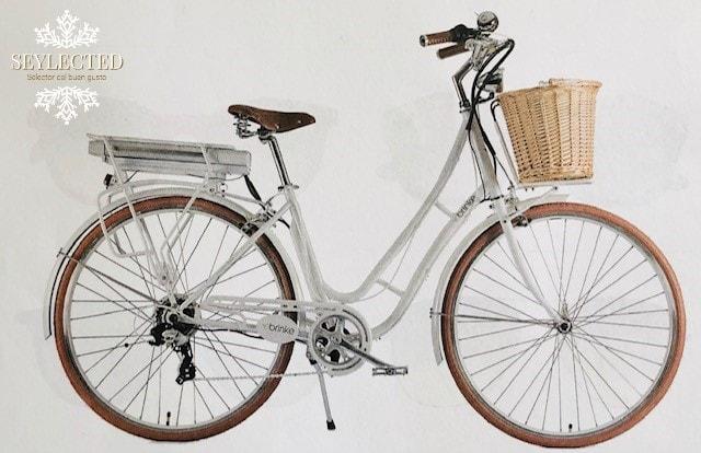 Paseo en bici: combinar el ejercicio y la clase es tan fácil como subirse en este vehículo